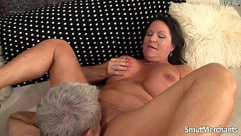 Big dicked older man fucks mature woman 8 min