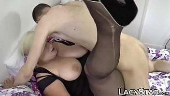 Mature UK lady slobbers on stiff dick and takes it anally