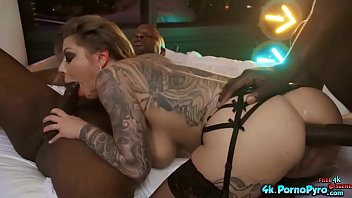 Karma Rx In Her 1st Interracial DP 6分钟