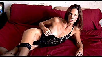 Petite Mature m. Having Fun