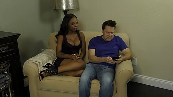 Bratty Black Stepdaughter Makes Her Stepdaddy Worship Her thumbnail
