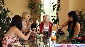 Banging lesbians Carmen Callaway and Sophia Bella