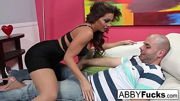 Therapist Abigail Mac does extra service on her client's cock