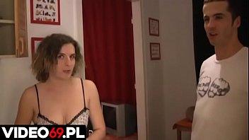 Polskie porno - Mamuśka obciąga pod prysznicem