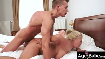 Lovers Betsy and young Oliver lick and pump the day away 6 min