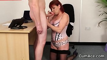 Sexy young housewife wendy 012 - Flirty bombshell gets cum shot on her face sucking all the sperm