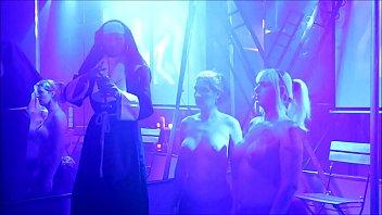 "Kira Diamond , Nikki Chanell & Nikita Wilde Live  T-Girl Party Amsterdam 30-06-2018 <span class=""duration"">6 min</span>"