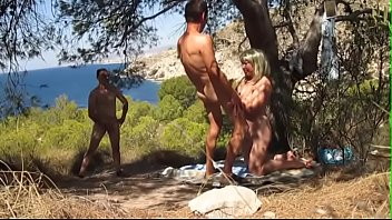 chatfap.ml - couple in front of a voyeur