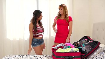 Natural Busty Stepmom And Daughter Duo - Elexis Monroe and Autumn Falls