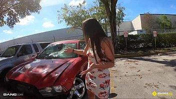 Roadside - Latina Fucks Her Car Mechanics Dick For A Favor 17 min