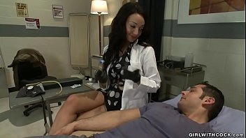 "TS nurse anal fingers and fucks man <span class=""duration"">5 min</span>"