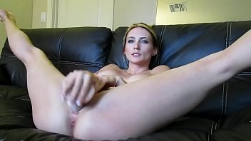 GirlCamPlay.Com - Blonde webcam goddess 21 - squirting in a bowl