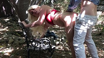 Erin andrews nude pictuers Horny blonde fucks in park - erin electra