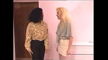 Hairy blonde lesbian Film: sesso e cellulari part. 3