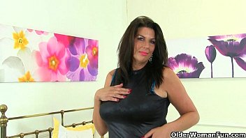 Older couples uk porn British milf lulu and her big naturals