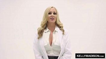 KELLYMADISON.COM Julia Ann Takes Isiah Maxwell's Big Black Cock Vorschaubild