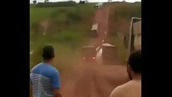 Scania botando volvo pra mamar.