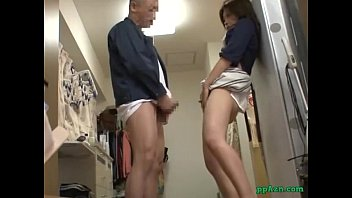 Asian Girl Giving Blowjob Fucked While Standing By The Maitenance Guy In The Hou