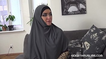 Slacking muslim wife punished Vorschaubild