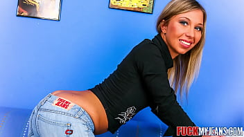 SEXY BABE IN TIGHT JEANS ASS FUCKED BY THICK COCK