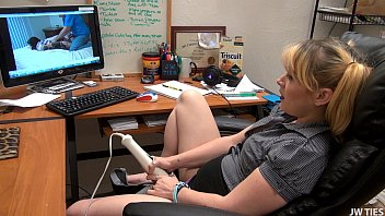 A Lay At Work xvideos HD 14 min