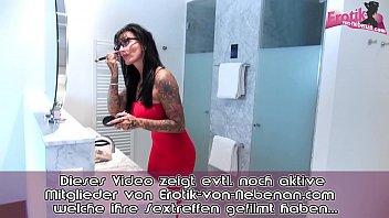Elegante deutsche Lady masturbiert bis zum weiblichen Orgasmus