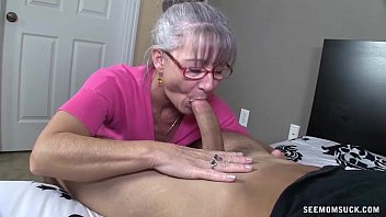 Women sucking enormos dick Horny granny sucks a young dick