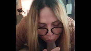 I started by sucking his cock and he ended up fucking me by fucking the hjpta ..