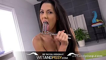 Alexa Thomas Tries To Piss In Her Pretty Mouth