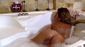 Spanish Webcam Whore Naomi Burning masturbating in the bathtub  - 69VClub.Com