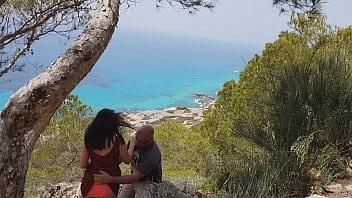 Sex Tourist fickt notgeile Schlampe