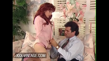 Streaming Video Vintage redhead Jessica Foxxx enjoys sex with her boss - XLXX.video