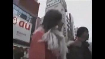 素人女性をナンパしてキス