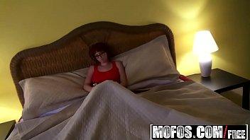 Mofos - I Know That Girl - Stop Reading, Start Sucking starring  Zoey Nixon