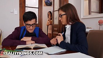 Moms Bang Teens - (Jordi, Lilu Moon, Mina) - cougar or kitten - Reality Kings porno izle