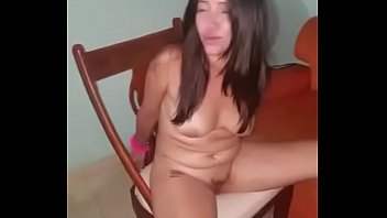 Dos venecas b. en un hotel chupando con nata VER COMPLETO: http://adbull.me/yQF6ZT
