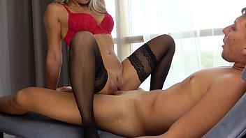 Sexy Teen Suck Huge Cock and Riding Orgasm! صورة
