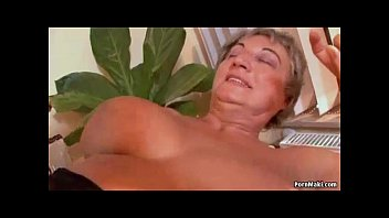 Busty granny needs young cock Vorschaubild