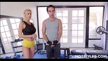 Blonde Big Tits MILF Personal Trainer Alexis Fawx Squirting Orgasm Sex With Client In Gym
