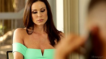 Mommy and Daughter Almost Caught - Ariana Marie and Kendra Lust thumbnail
