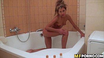 Victoria Tiffani bath time anal masturbation 2