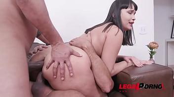 Lina Nakamura double penetration with 2 huge cocks YE036 89 sec