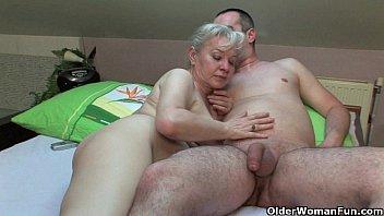 Older woman sex videos com Grandma in heat needs to get off