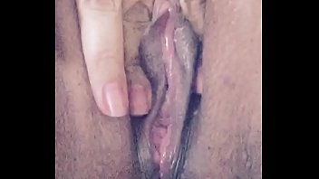 Pretty Pussy dripping cums squirts Analaysya Moore