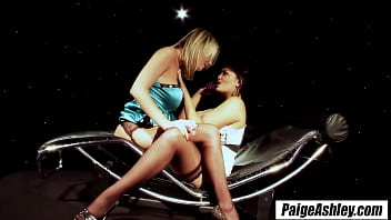 Paige Ashley a smoke brings girlfriends together for passionate lesbian sex 8 min