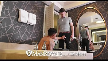 ManRoyale He Puts The Tip In