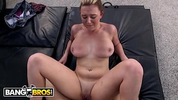BANGBROS - Busty Babe Brooke Wylde Rollin' Down The Street Smokin' Big Cock