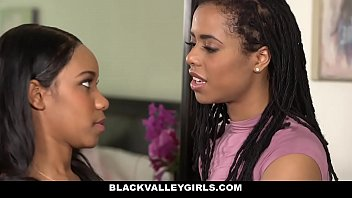 BlackValleyGirls- Hot Ebony Bffs (Jenna Foxx) (Kira Noir) Scissor & Fuck porno izle