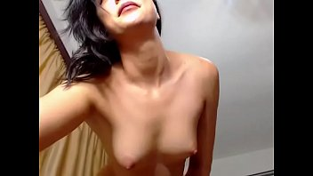 Strip tease amatrice - Sexy amateur naked strip tease