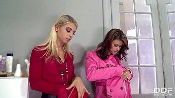 Zafira Sucks Tasty Toes of Chloé Lacourt & Billie Star